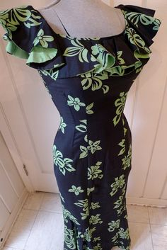 70aa1bb9bb184 BOMBSHELL HAWAIIAN--Gorgeous 1950s Polished Cotton Hawaiian Mermaid Dress  Holomu--S,M