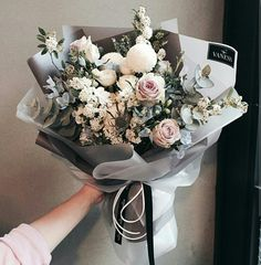Grey and pink floral bouquet How To Wrap Flowers, My Flower, Fresh Flowers, Beautiful Flowers, Flower Bouqet, Spring Flowers, Deco Floral, Arte Floral, Frühling Wallpaper
