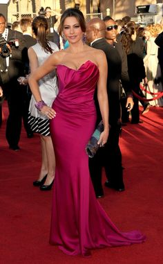 Sofia Vergara in Marchesa SAG Awards 2012 - Love the dress (it fits her like a glove), not the accessories or hair.