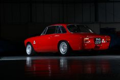 Classic Car News Pics And Videos From Around The World Alfa Romeo Junior, Alfa Romeo Gta, Alfa Bertone, Alfa Cars, Old Sports Cars, Alfa Romeo Giulia, Amazing Cars, Hot Cars, Luxury Cars