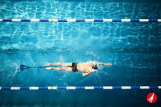 Das StrechCordz Aqua-Gym Long-Belt eignet sich optimal für das Schwimmkraft-Training im Wasser. Mit dem Trainingsgerät trainieren Sie intensiv Ihre Schwimm-Muskeln. Der Spezial-Latex-Schlauch ist 7,5 m lang und bis auf 25 m dehnbar. Durch die verschiedenen Widerständen eignet sich das Aqua-Gym Long-Belt für jeden Schwimmer, Triathleten und Freizeitsportler.