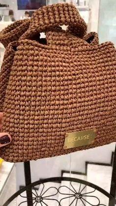 Crochet Basket Pattern, Crochet Tote, Crochet Handbags, Crochet Purses, Diy Crochet, Crochet Crafts, Crochet Stitches, Free Crochet Bag, Hand Crochet