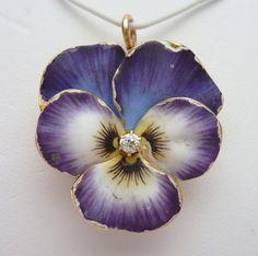 Krementz & Co Art Nouveau 14kt Gold Enamel and Diamond Pansy Pendant/Brooch/$1250