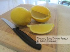 This is the easiest and quickest sore throat remedy. All you need is a lemon! You'll never need to waste your money on throat syrup or lozenge again! Sore Throat Cure, Sore Throat Remedies, Whole Food Diet, Whole Food Recipes, Juice Fast, Natural Remedies, The Cure, Healthy Living, Clean Eating