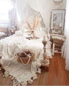 Living Room Decoration and Design Ideas - Ribbons & Stars Boho Chic Bedroom, Boho Room, Cozy Bedroom, Bedroom Apartment, Bedroom Decor, Modern Bedroom, Girls Bedroom, Bedrooms, Deco Bobo