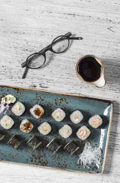Sushi Maki Plate Photography @foodeverest #realfood #foodbloggers #foodphotography #foodstamping #foodshare #foodpreparation #foodpics #foodimages #sushi #maki #sushilovers #foodmakers #foodlovers #foodoftheday