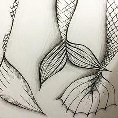 #tails #draw #drawings #sketch #desenho #esboço #artist #artista #creativity #criatividade #instaart #instart #artgram #artoftheday #art #creative #arte #mermaid #mermaidtails #sereia #pontilhismo #sea #fish