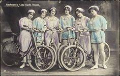 Kaufmann´s Lady Cycle Troupe [Fahrradartisten],  Variete Zirkus Kabarett, um 1900