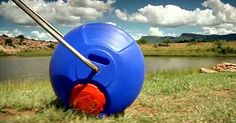 This reimagined wheelbarrow is revolutionary: The is used to gather water in developing It was designed by two South Africans who grew up in rural areas. Long Walk To Water, Innovation, Mission Projects, Great Inventions, Cool Technology, Clever Design, Wheelbarrow, Worlds Of Fun, Revolutionaries