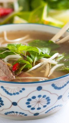 Making your own Vietnamese pho soup at home is not hard, all you need is a straightforward recipe, a few secrets and a nice big stockpot. recipes videos Homemade Vietnamese Pho Recipe with Video Best Soup Recipes, Healthy Dinner Recipes, Healthy Snacks, Vegetarian Recipes, Cooking Recipes, Healthy Drinks, Healthy Vietnamese Recipes, Easy Recipes, Korean Recipes