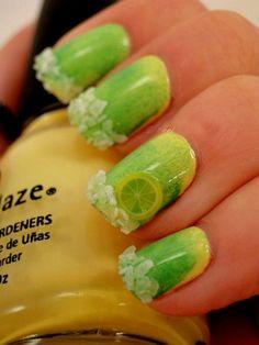 bright_nails_green_lemon