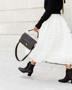 CHYLAK (@chylak.bags) • Фото и видео в Instagram Crocodile, Lace Skirt, Shoulder Bag, Elegant, Brown, Skirts, Bags, Instagram, Fashion