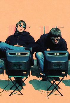 Liam and Noel Gallagher, Oasis Music X, Indie Music, Music Icon, Music Bands, Oasis Live Forever, Smart Casual, Oasis Band, Liam And Noel, Band Wallpapers