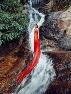Photographer: Andrey Yakovlev.   Art-director, MUAH: Lili Aleeva  Model: Yana Vilkina  Show Room Arhi & Elen Om
