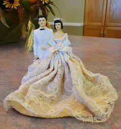 GORGEOUS VINTAGE BRIDE & GROOM WEDDING CAKE TOPPER