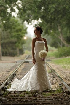 love this photo...love railroad tracks