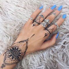 Tatuajes para la mano o la muñeca