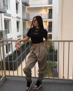 Eileen Toretto the baby of the torettos livin life in freeridge and Tomboy Outfits advent Baby Eileen freeridge Life livin Toretto torettos Cute Swag Outfits, Tomboy Outfits, Cute Comfy Outfits, Chill Outfits, Tomboy Fashion, Dope Outfits, Retro Outfits, Trendy Outfits, Queer Fashion