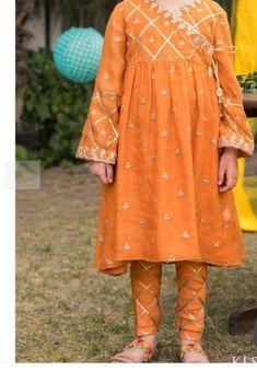 Baby Girl Dress Design, Girls Frock Design, Baby Girl Dress Patterns, Baby Dress, Kids Blouse Designs, Designs For Dresses, Girls Dresses Sewing, Dresses Kids Girl, Pakistani Dresses Casual