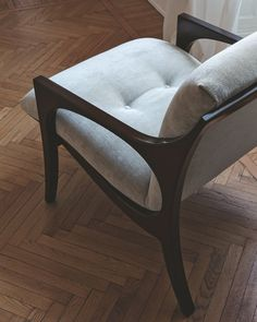 I'm just a vintage armchair wit a soul ❤️⠀PHILIPP SELVA Bridge Armchair⠀ .⠀ #interiodesign #interiordesignideas #interiordesigninspo #interiordesigngoals #italianfurniture Luxury Italian Furniture, Dining Chairs, Dining Table, Family Brand, Foot Rest, Modern Interior Design, Tub Chair, Online Furniture, Vanity Bench