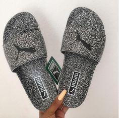 Image de fashion and puma Cute Sandals, Sport Sandals, Cute Shoes, Me Too Shoes, Beautiful Sandals, Summer Sandals, Pumas Shoes, Shoes Sneakers, Shoes Heels