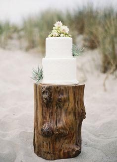 www.bcbg.com    #BCBG #BCBGMAXAZRIA  #beachbride #bridal #bride #wedding #inspiration   #weddingcake