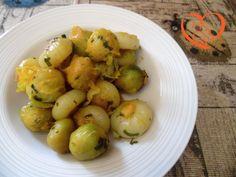 Cavolini e cipolline allo zafferano http://www.cuocaperpassione.it/ricetta/412a1f4c-9f72-6375-b10c-ff0000780917/Cavolini_e_cipolline_allo_zafferano