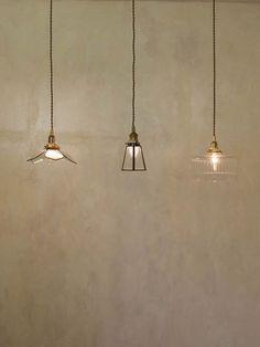 エッジングシェード Salon Lighting, Pendant Lighting, Stained Glass Lamps, Mosaic Glass, Lighting Concepts, Lighting Design, Cafe Interior, Room Interior, Lampe Art Deco