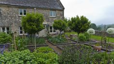 Garden Designer Justin Spink Cottage Garden in the Cotswolds