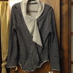 Top LABOR DAY SALE Gray zip up top with side pockets. Never worn, with tags Blanc Noir Tops Blouses
