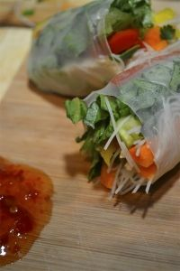 Vietnamese Salad Rolls- Like to use mock crab! Definitely use mint and cilantro. Asian Recipes, Vegetarian Recipes, Cooking Recipes, Healthy Recipes, Ethnic Recipes, Vietnamese Salad Rolls, Picnic Dinner, Healthy Snacks, Healthy Eating