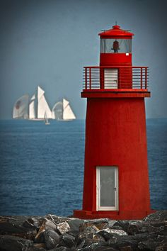 Lighthouse with sailboats...does not get much better!