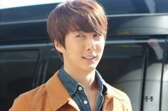 Magnae                        Kim Hyung Jun arrival at Gimpo Airport from Japan 131023