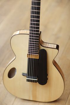 NK Forster Guitars – BILS SAYS: Similar to the Charlie Series. Not sure which model this is exactly.