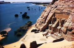 Outstanding a wide variety of tours & holidays with Trips In Egypt, visit Egypt and enjoy the spectacular attractions of Cairo, Luxor, Aswan, and more. Places Around The World, The Places Youll Go, Places To See, Ancient Ruins, Ancient Egypt, Beautiful Buildings, Beautiful Places, Ramses, Paises Da Africa