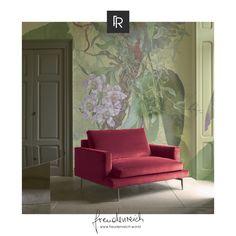 Retro Chic und ein bisschen 60er Flair versprüht dieses elegante, beerenrote Modell der Larsen Linie von Verzelloni. Mit minimalistischen Linien und bequemer Polsterung schenkt der Sessel jedem Raum eine gewisse Klasse. Wir sind begeistert! Gesehen bei #freudenreich Partner @wohnsalon P. World Of Interiors, Retro Chic, Partner, Designer, Accent Chairs, Couch, Furniture, Home Decor, Line