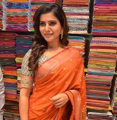 #samantha #samantharuth #tamilactress #indianactress #southindianactress #saree #indiansaree #actressinsaree #sareepics http://www.southindianactress.co.in/tamil-actress/samantha-ruth-prabhu/samantha-stills-south-india-shopping-mall-launch/