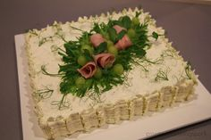 Aina on aihetta leipoa kakku. Party Sandwiches, Sandwich Cake, Appetizer Recipes, Appetizers, Savoury Cake, Cheesecakes, Food Art, Cupcake Cakes, Cake Recipes