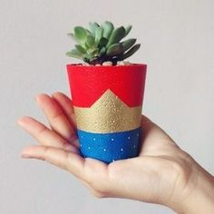 Idea Of Making Plant Pots At Home // Flower Pots From Cement Marbles // Home Decoration Ideas – Top Soop Concrete Crafts, Concrete Projects, Painted Flower Pots, Painted Pots, Diy And Crafts, Crafts For Kids, Flower Pot Design, Flower Pot Crafts, Cement Pots