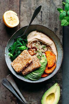 Hoisin Tofu Buddha bowls with sesame crust Delicious & healthy .- Hoisin-Tofu-Buddha-Schalen mit Sesamkruste Lecker & gesunde Rezepte für Fami… Hoisin Tofu Buddha bowls with sesame crust Delicious & healthy recipes for families - Healthy Dinner Recipes, Vegan Recipes, Cooking Recipes, Vegan Meals, Diet Recipes, Easy Cooking, Lunch Recipes, Easy Recipes, Chicken Recipes