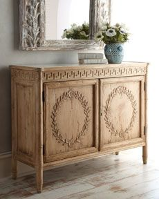 love the bleached oak pieces..finding them everywhere now