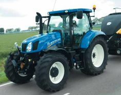 New Holland Tractor, Farm Photo, Old And New, Farming, Sim, Ford, Paintings, Fruit, Photos