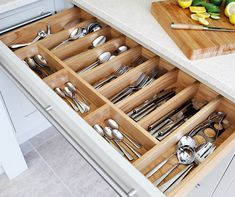 Wide cutlery drawer