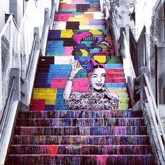 Escada Carmem Miranda, Bairro de Fátima - RJ / Foto: http://streetartrio.com.br/