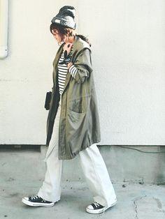 ゆったりめの白パンツのコーデ術。ミリタリースタイルの定番アイテム☆モッズコートの春夏ファッションコーデを集めました! Asian Street Style, Classic Chic, Utility Jacket, My Wardrobe, Parka, Jackets For Women, Woman Style, Makeup Style, Japanese Style