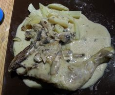 Recette Cuisses de Poulet pommes de terre vapeur et sauce champignon par sand.kj - recette de la catégorie Plat principal - divers