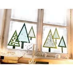 Tannenbaeume Window trees, cut out construction paper, transparent paper . - Christmas and winter - Wood Crafts, Fun Crafts, Diy And Crafts, Tape Crafts, Christmas Art, Christmas Decorations, Xmas, Winter Christmas, Forest Crafts