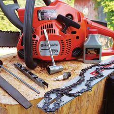 5 Most Simple Ideas Can Change Your Life: Garden Tool Bag Totes garden tool storage step by step.Garden Tool Organizer Sports Equipment garden tool organization tips. Best Chainsaw, Chainsaw Repair, Chainsaw Mill, Chainsaw Chains, Garden Tool Organization, Garden Tool Storage, Shed Storage, Storage Ideas, Garden Tool Bag