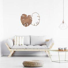 €39,95  #decoracion #madera #decoracionmadera #interiorismo #salon #casa #decorar #pared #hojas #monsteras #naturaleza #natural Con nuestro Mabui de hojas de madera puedes decorar con ellas tu salón, habitación o salas más íntimas. Están fabricadas artesanalmente en madera natural, revestida sobre fresno y acabada en un tono nogal. Decoración perfecta para tu casa. Decoration Design, Couch, Furniture, Home Decor, Walnut Finish, Potted Plants, Hardwood, Houses, House Decorations