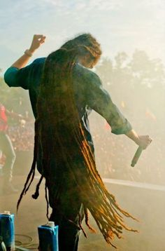 """""""Put the worst on display, so the world can see; and that's all they will ever know.."""" - Damian Marley // killer dreads!!"""